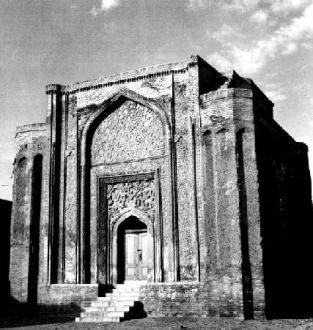 Gonbad-e ʿAlawiān mausoleum at Hamadan