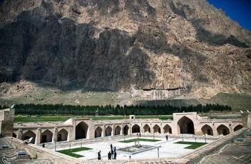 Bisotun Caravanserai Shah Abassi.jpg-large